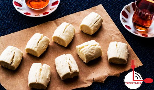 evde-pastane-usulu-un-kurabiyesi-yapimi